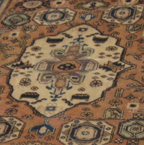 Im genes de alfombra persa kashan antig a en pe alol n for Alfombras persas chile