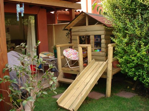 Hermosas casitas de mu ecas en madera impregnada en algarrobo for Casitas infantiles segunda mano