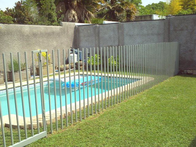 Rejas jvc construcciones metalicas en pe alol n - Cierres de jardin ...